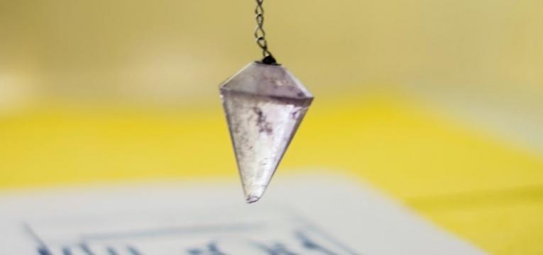 mode d'emploi d'un pendule divinatoire