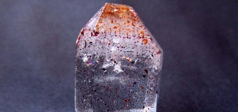pierre cristal fantôme